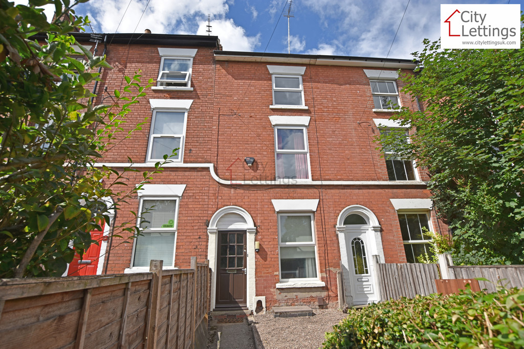 Ideally located student house