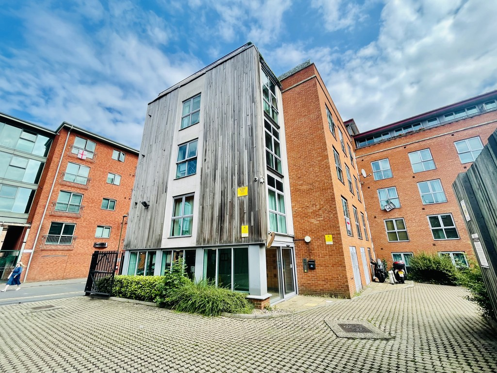 Ideally located 2 bedroom apartment