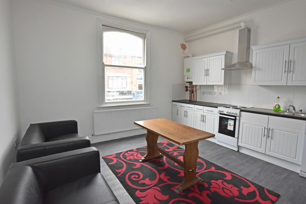 Large modern 4 bedroom flat