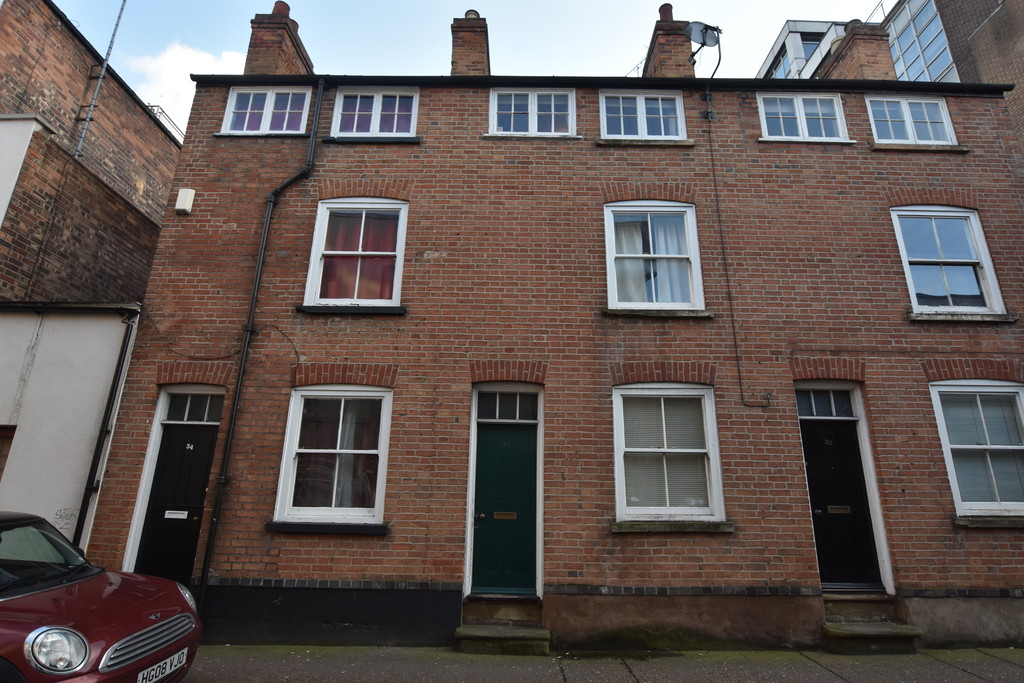 Exceptionally popular 3 bed student home