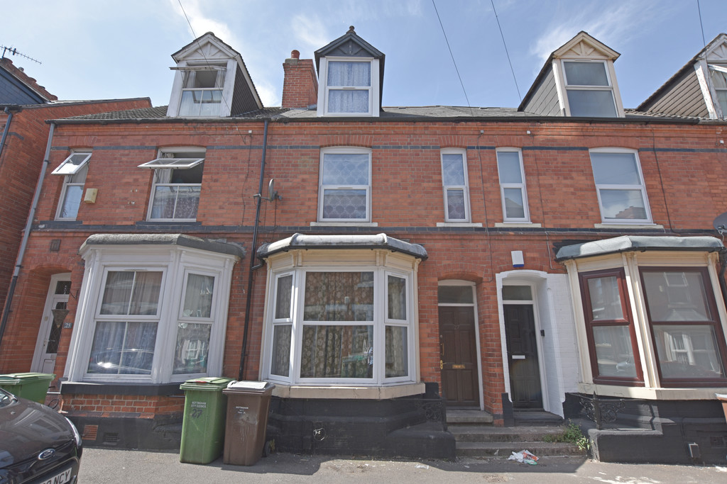 Good size self contained double bed flat