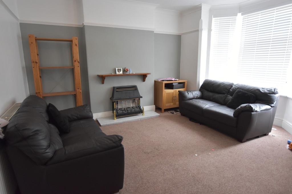 Good size 2 double bedroom flat