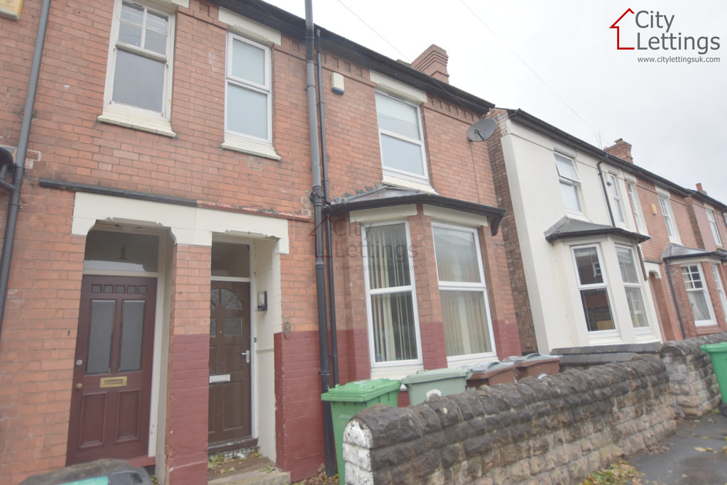 Ideally located 5 bed student house
