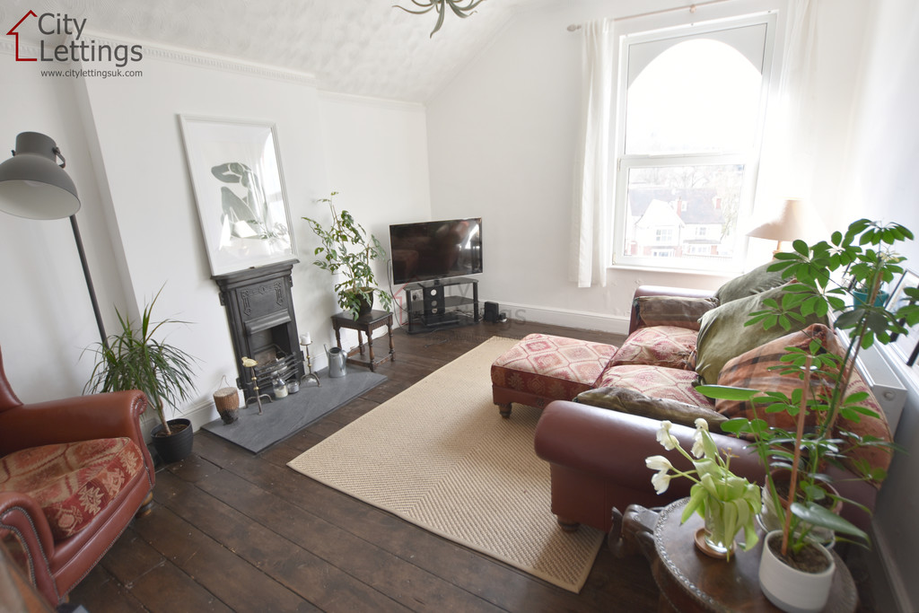 Newly renovated 2 bed flat