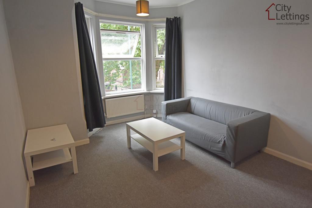 Good size 2 bedroom flat