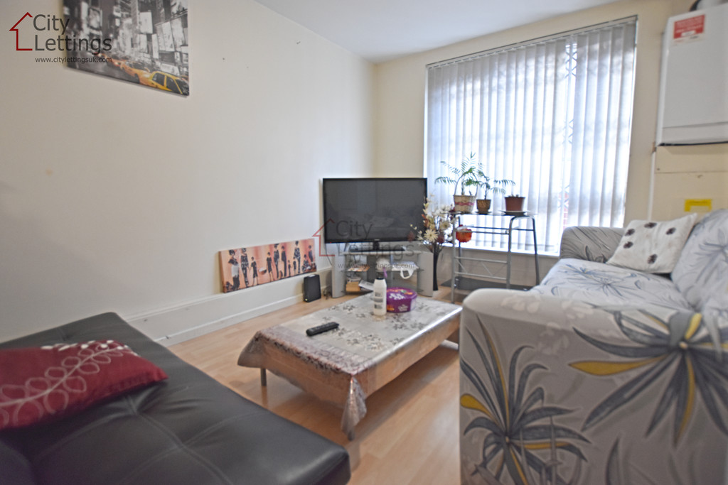 Modern 4 double bed apartment