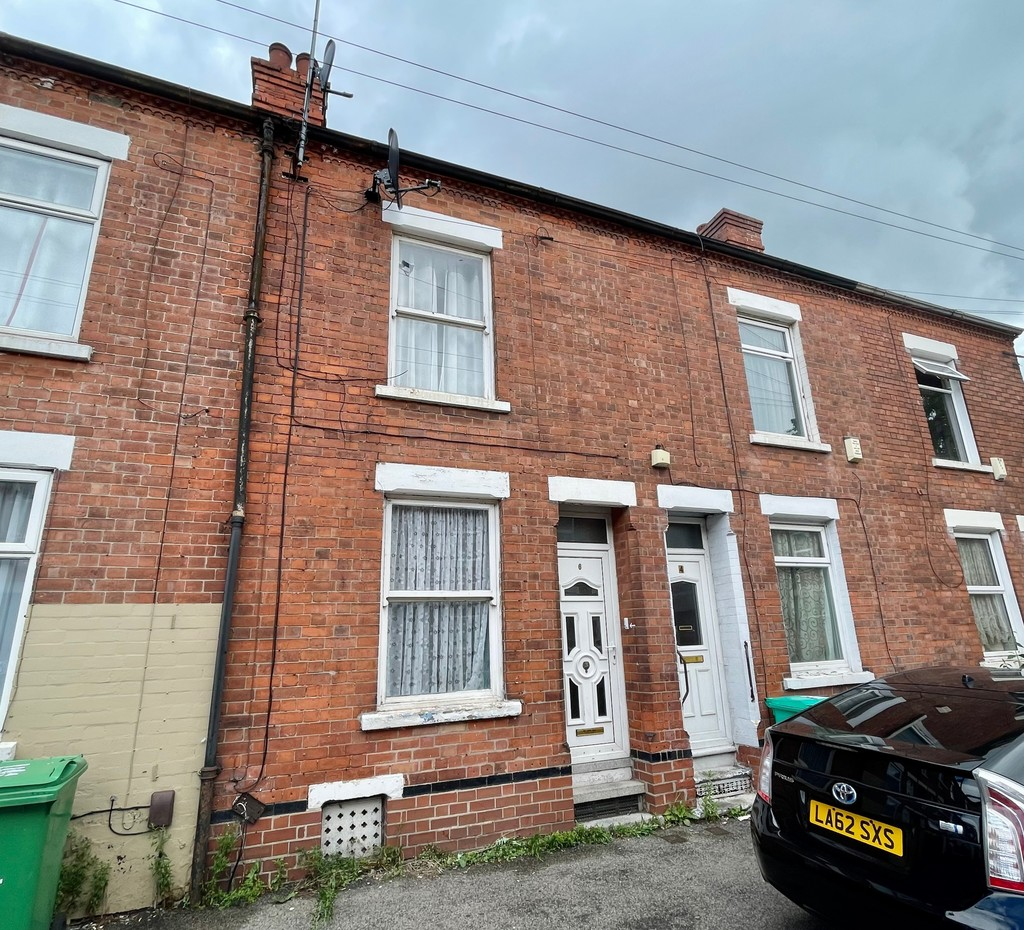 Good size 3 bedroom mid terraced house