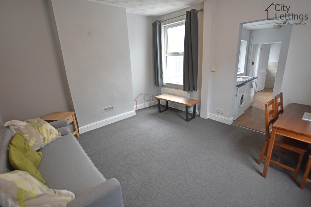 Large 4 bed HMO