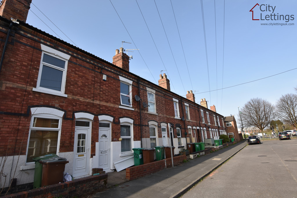 Large 3 double bedroom terraced house