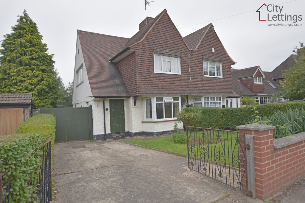 Good size 3 bed semi detached house