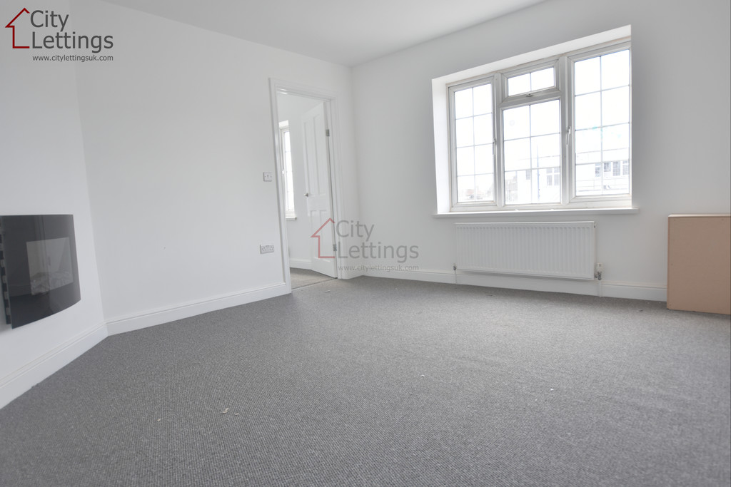 Newly renovated 2 bed 1st floor flat