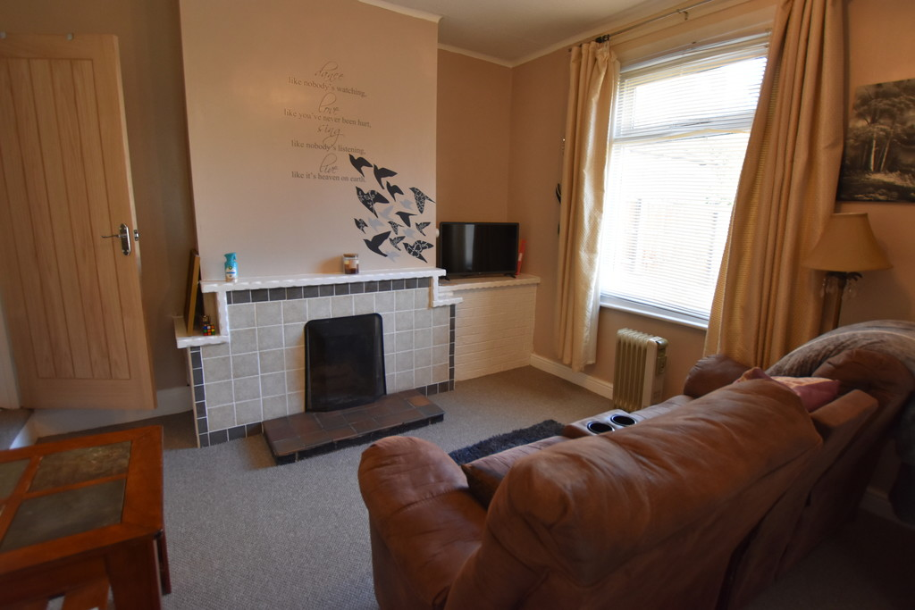 Large 4 double bedroom house