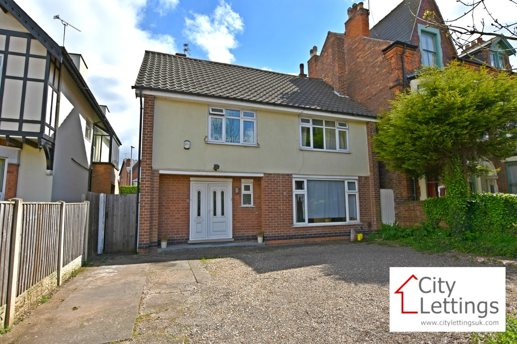 Large 4 double bedroom detached house